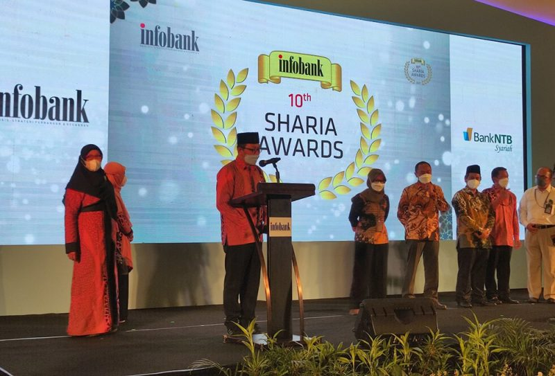 Wakil Wali Kota Heroe Poerwadi dalam sambutannya di acara Infobank 10th Sharia Awards. (Foto: Humas Pemkot Yogya)
